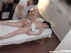 supah slim gal Getting massage of Her Life