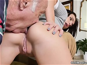 brunette xxx railing the elderly fuck-stick!