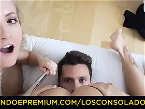 LOS CONSOLADORES - ultra-cute honey naked massage and 3 way