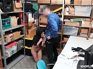 Ella Knox gets caught shoplifting and pays her debt with her throat and gash