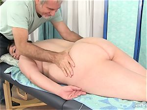 plumper Gets Her figure, cootchie and caboose groped