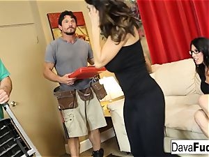 Dava and Ava boink their handymen