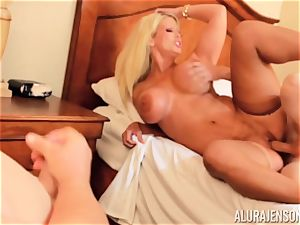 rod sucking crazy three-way Alura Jenson and fellow gives a helping hand