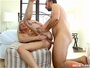 Anikka Albrite wants to be penetrated deep in the ass by Keiran Lee