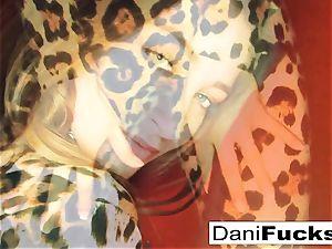 Dani Daniels frigs her taut raw coochie