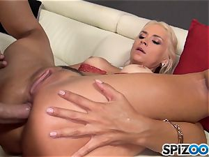 ultra-kinky ash-blonde Sarah Vandella penetrated in her coochie pie