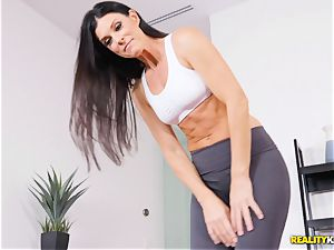 horny cougar India Summers thrashed in the honeypot during yoga
