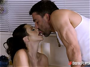 honeypot hammered Ariella Ferrera bathtime fun