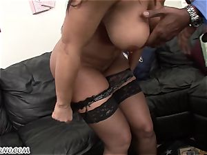 interracial porn with mature beauty Lisa Ann with huge melons