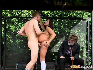 hilarious situation of twat slammed daughter and her grandpa observes at bus stop - Abella Danger and Bill Bailey