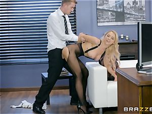 Alix Lynx smashed rigid in her beaver