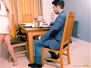 Frustrated wifey Taylor Sands gets rod elsewhere