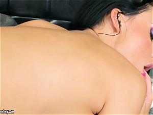 huge-titted gorgeous Aletta Ocean satisfies herself with an extraordinaire fingerfuck