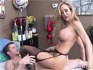 Rock firm patient gets poked by doc Brandi love