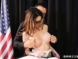 VIP Dava Foxx proves she is a sloppy chick