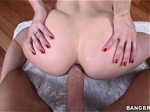Ashley Fires well-lubed ass gets plunged wit trunk