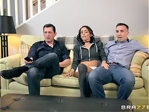 Janice Griffith penetrated in her bung