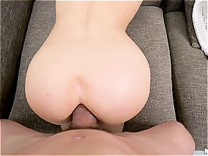 A boy with a humungous fuckpole makes her butt completely exposed