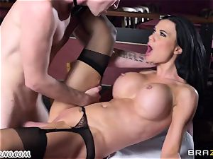 spectacular huge-chested waitress Jasmine Jae gets her tight fuckbox drilled by Danny