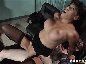 mexican assistant Mercedes Carrera seduced her fresh boss in the office