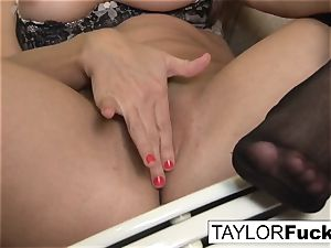 Taylor Vixen Looks extra super-fucking-hot In ebony pantyhose