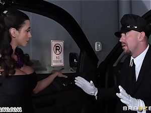 chesty Ariella Ferrera - Drive on my spunk-pump