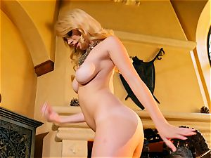 marvelous Penelope Lynn climaxes in front of the fire