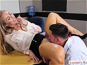 The hottest teacher Nicole Aniston wants man meat for her blessing