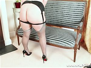 bodacious blondie drains in grey nylons and high heels